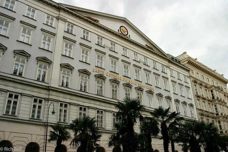 20040925Bank Blding in Vienna Austria0370
