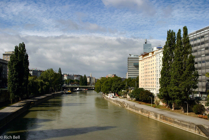 20040925Danube Canal Vienna Austria0369