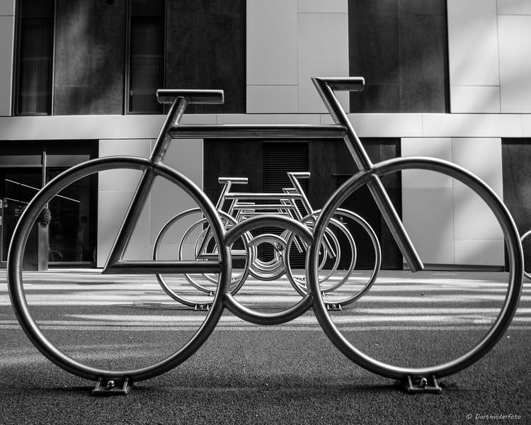 Moderne sykkelstativ