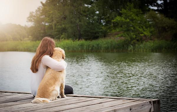 Nelina med sin hund