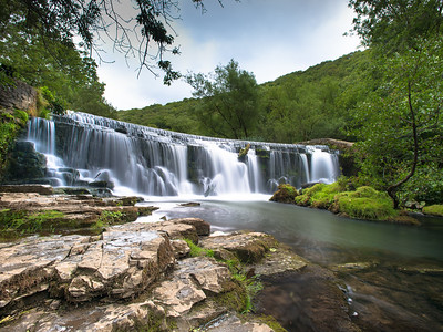 Monsal head waterfall