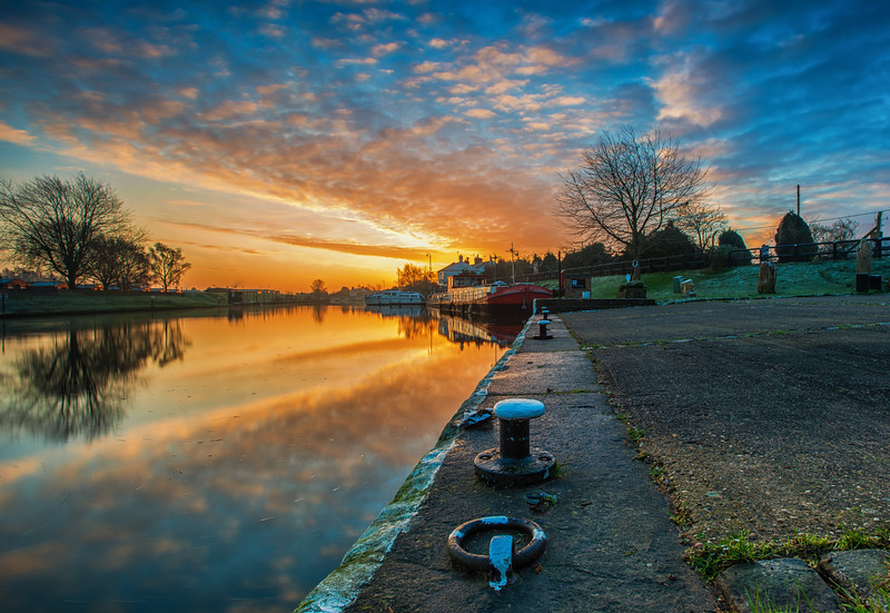 Torksey Lock Sunrise