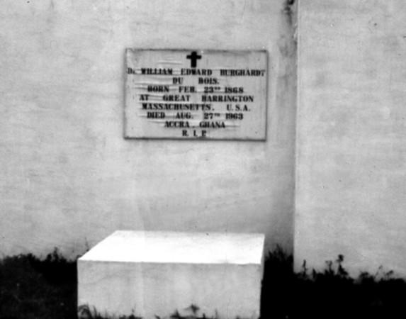 Grave of W.E.B Dubois 1975