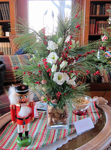 2016 Holiday Tea, Design by Susan Benner
