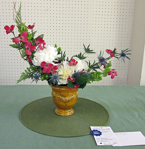 April, Intermediate, Traditional Line Design, Amy South, First Award