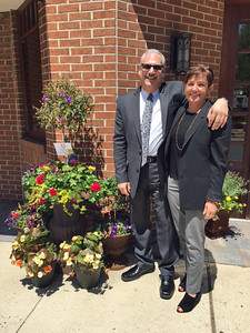 Frederic Goodman Jewelers Tony DeVincenzo and Karen O'Neill accept the Overall Design Montclair Blooms award
