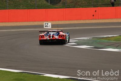 Ford GT GTEpro heading into Club
