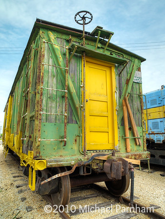 Green & Yellow Box Car