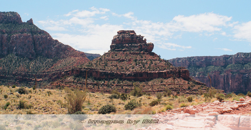 One of many outcrops along the trail<br /> <br /> Grand Canyon, 2009, Day 1, 04/24/09