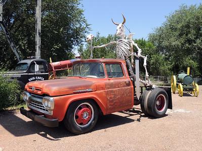 Jr's Old School Garage | Tucumcari, NM