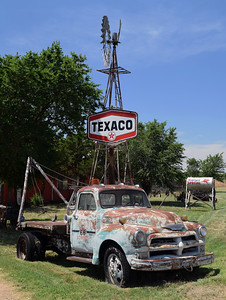 Rusted Truck | Route 66 in New Mexico