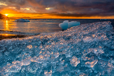 Icebergs at sunrise:  The beach at Jökulsárlón