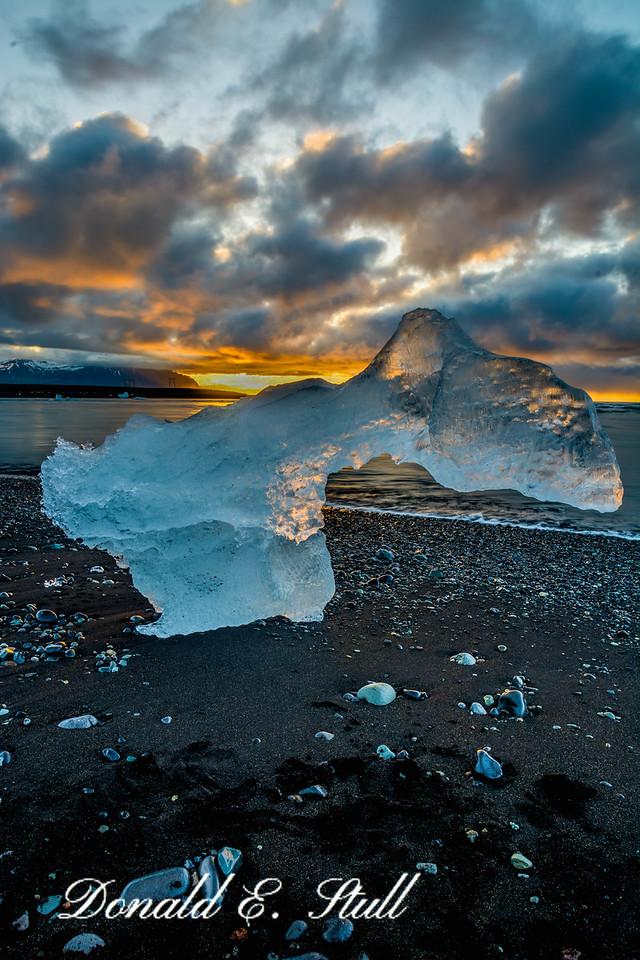 Icebergs at sunrise:  The beach at Jökulsárlón
