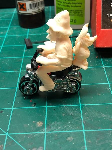 ED ROTH AND RAT FINK RESIN CAST MADE TO FIT HOT WHEELS MONKEY BIKE