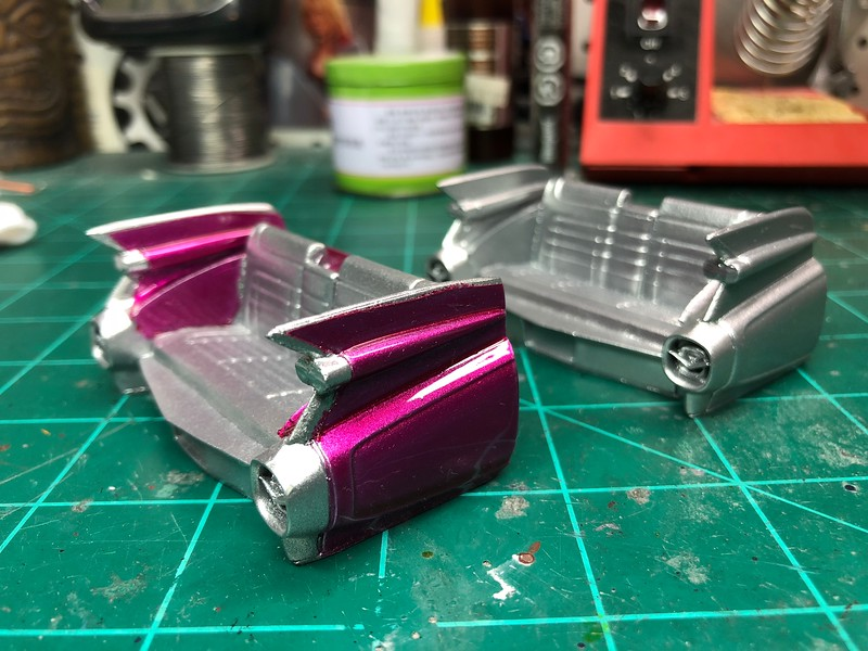 Silver basecoat on the right, kandy toner applied on left...
