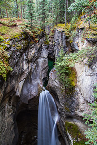 Maligne_Canyon_3