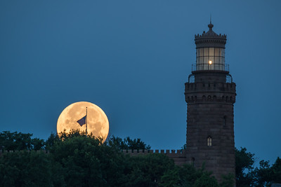 2017 7-9 Twin Lights Setting Moon with Flag-289_Full_Res