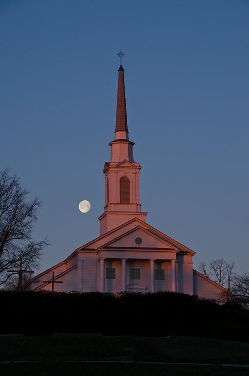 2013 3-29 Tower Hill Moon First Light-28