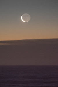 2017 2-24 Monmouth Beach Rising Crescent Moon Over Ocean-83_Full_Res