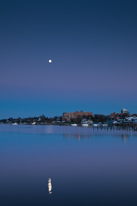 2012 11-26 Riverview's Last Light and Moon-60