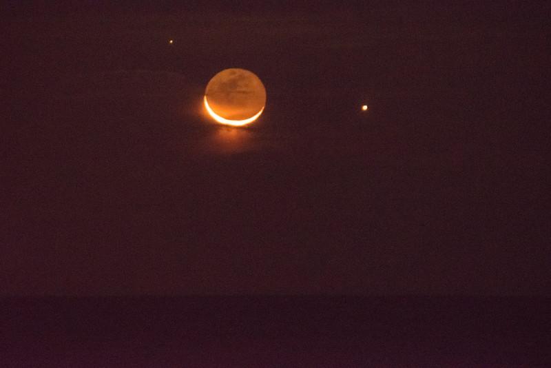 2016 10-28 Rising Waning Crescent Moon and Jupiter Monmouth Beach-27_Full_Res