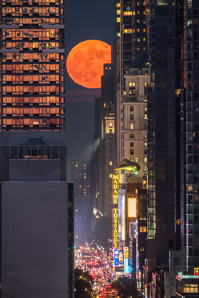 2018 6-28 NYC - Moonhenge Over 42nd Street-2_Full_Res