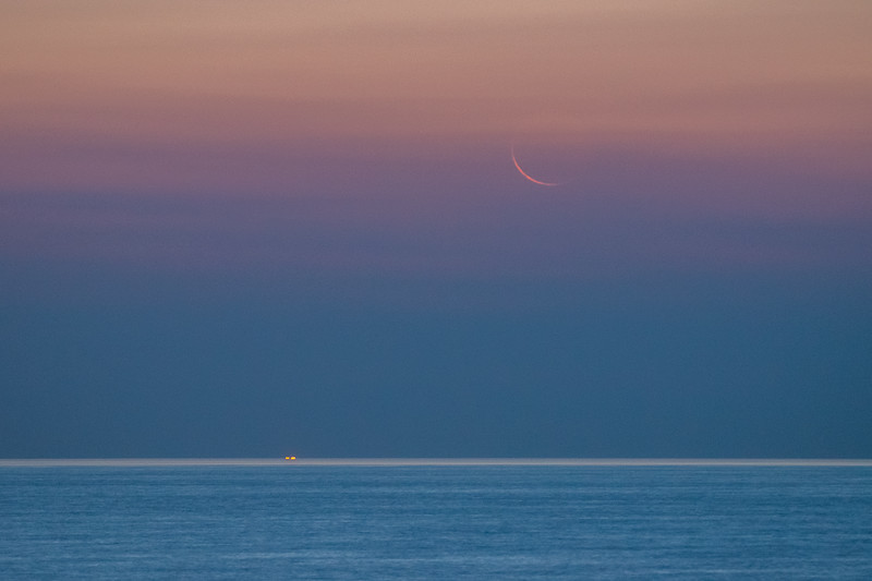 2018 8-10 Monmouth Beach Waning Crescent Moon Rising-6_Full_Res