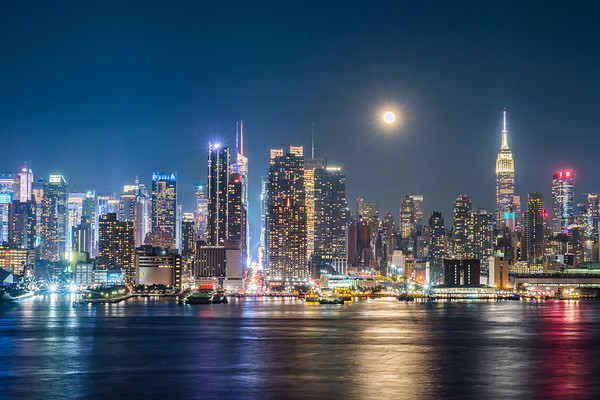 2018 6-28 NYC Skyline and Moon 42nd Street-1_Full_Res