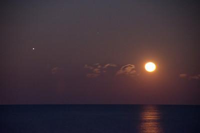 2013 12-18 Monmouth Beach Moon and Jupiter Rising-61