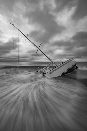 2019 7-12 Sea Bright Abandoned Beached Sailboat-80_Full_Res