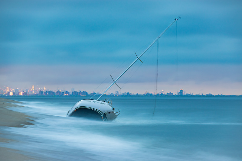 2019 7-12 Sea Bright Abandoned Beached Sailboat-12_Full_Res