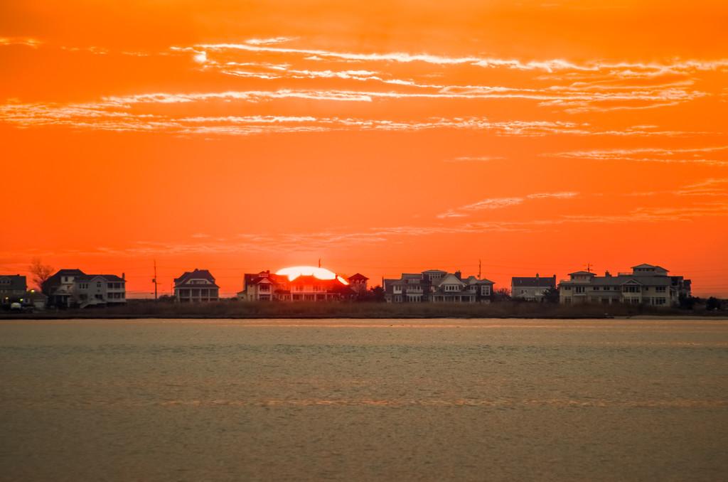 2016 3-10 Monmouth Beach Sun Over Houses_Full_Res