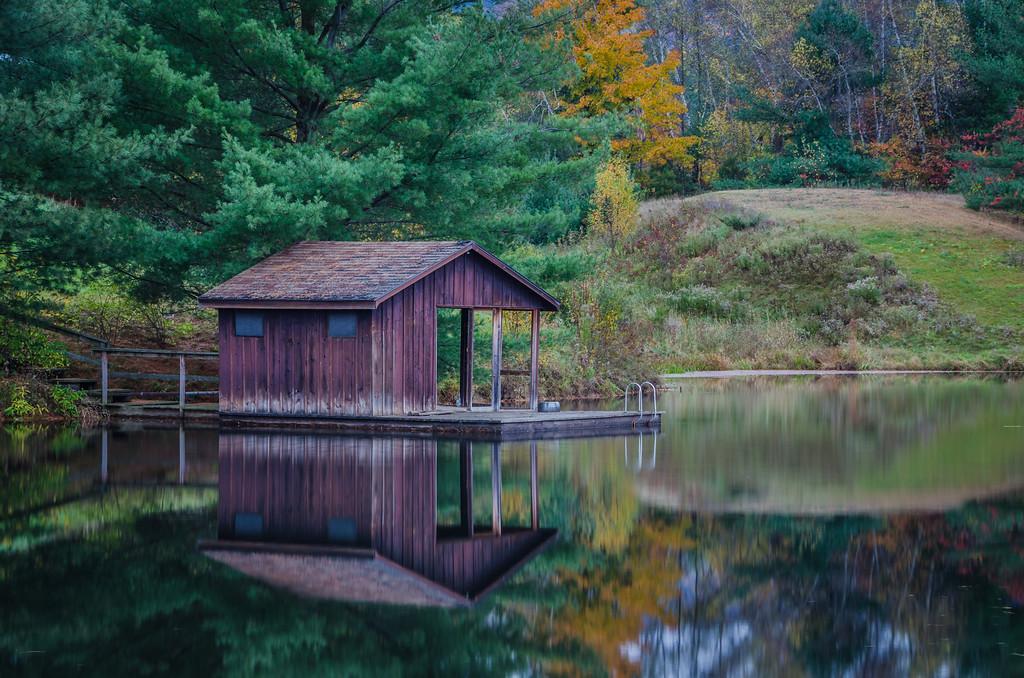 2014 10-18 Vermont Fall Foliage Middlebury Otter Creek Falls-39