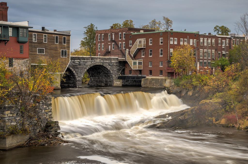 2014 10-18 Vermont Fall Foliage Middlebury Otter Creek Falls-109_10_11