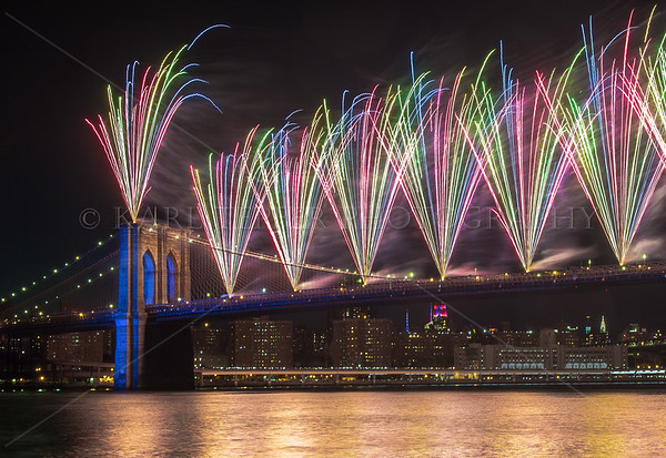 July 4th, 2014   FIREWORKS from the Brooklyn Bridge!