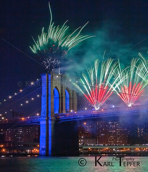 July 4th Fireworks from the Brooklyn Bridge