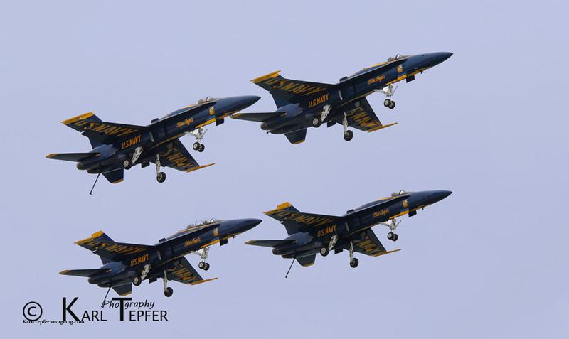 Landing gear down, Blue angels