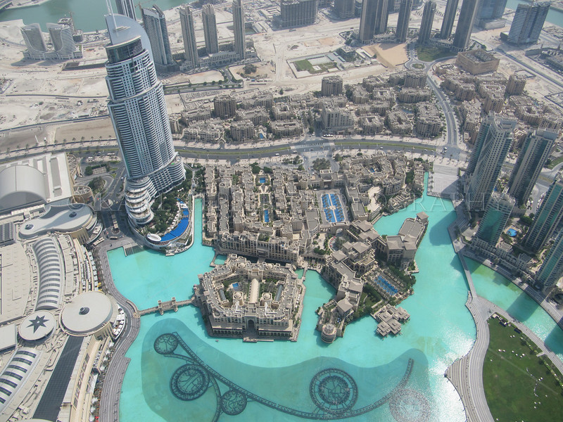 <h2> Hotel and building complex as seen from the top of the world's tallest building, the Burj Khalifa.   Needless to say, the water fountain show there is the largest in the world, higher and bigger than the one at the Bellagio in Las Vegas.