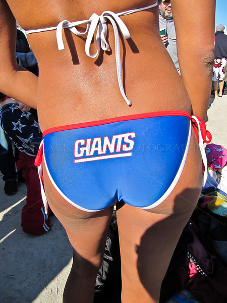 <h2>The Giants play tonight! Everyone was behind this game...... Quite a few fans on the beach today showing their support