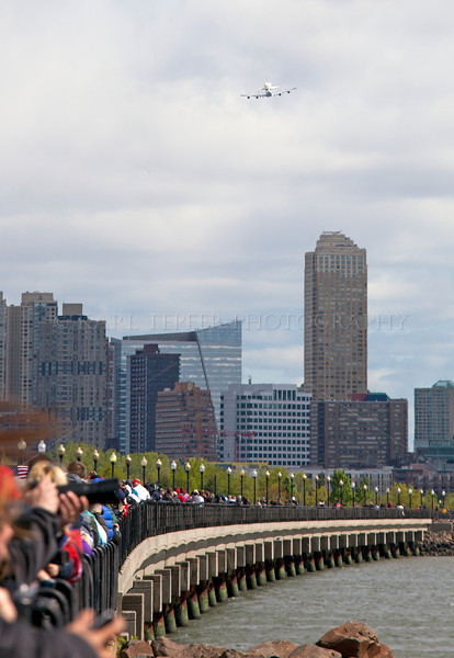 Huge crowd at Liberty State Park, New Jersey, to view/photograph the Final Mission of the Space Shuttle Enterprise as it flew over Jersey City.