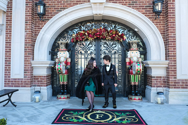 (Holiday Portraits in Mil Basin, Brooklyn, NY( Photo by Daniel Marino Studio, http://danmarinophoto.com