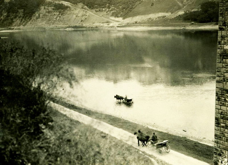 Берег Дністра нижче залізничного моста