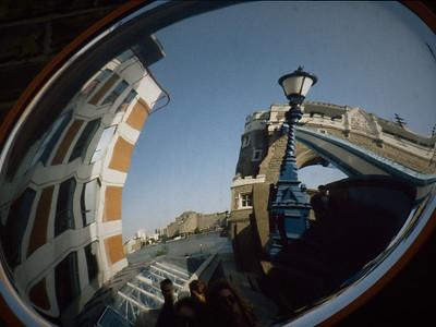 London Tower Bridge ID2