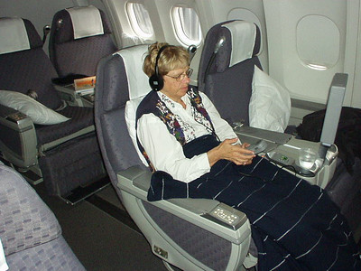 """It's too easy to get used da bid'ness class. Here, Karen is learning about the """"pod"""" controls."""