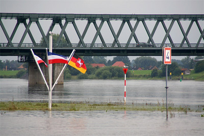Intersection of the Elbe by Lauenburg, and the Nord-Ostsee canal.