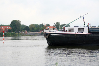 Lauenburg, Germany.  River traffic.