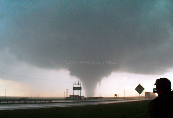 Tornado maxes out in width only a mile from me (and this random guy that leaves after he takes this).