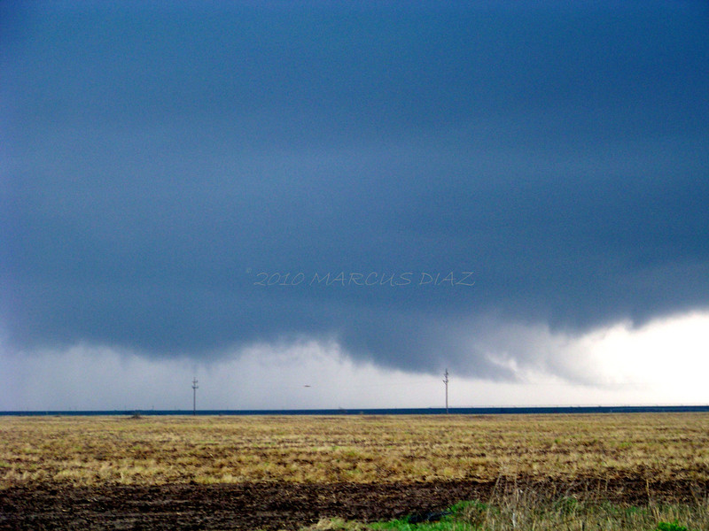 April 22, 2010<br /> <br /> The base rotates quickly around and forms this 'gator head' inflow notch.