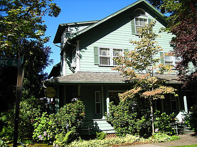 The Oval Door, Eugene Oregon.  A wonderful B&B to stay at!