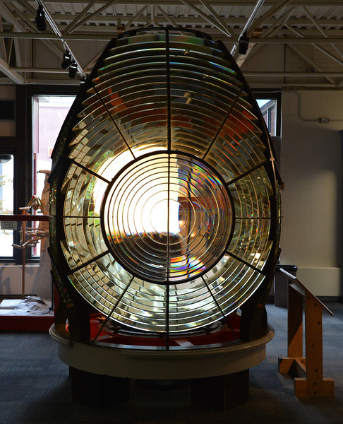 Lighthouse lamp lens